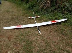 RCRCM Hornet Spw.2,0m GFK Weiss/Rot Seglerversion mit Schu..