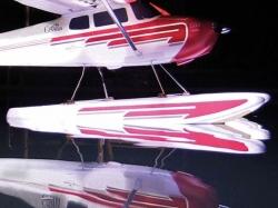 Schwimmer Cessna 170 R/W mit Streben, Servo,  LED Bel. von..